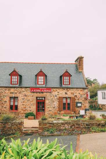 The Perfect Weekend Itinerary For Visiting Brittany - France's Beautiful Celtic Region (26)