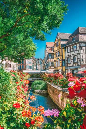 17 Colourful Towns And Cities To Visit In Europe! (22)