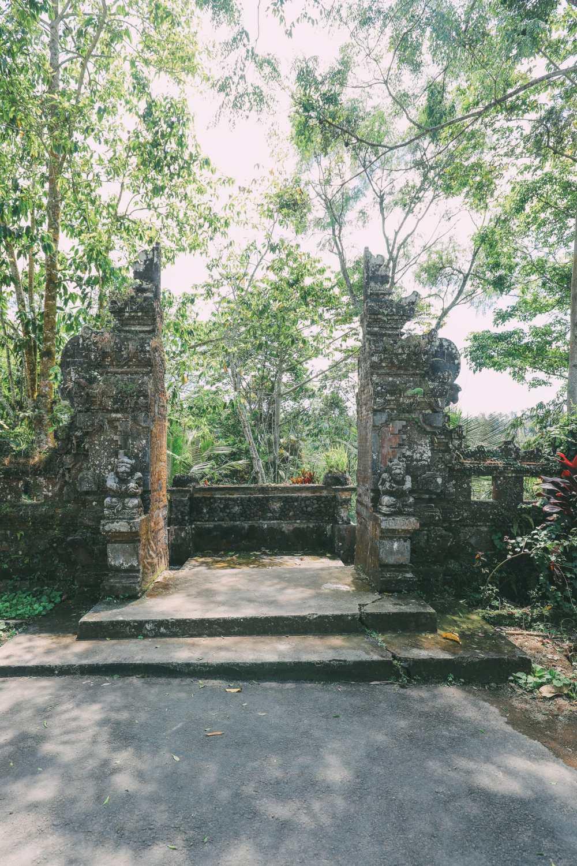 Bali Travel - The Beautiful Nungnung Waterfall And Ulun Danu Bratan Temple (1)