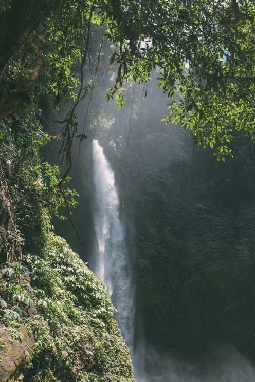 Bali Travel - The Beautiful Nungnung Waterfall And Ulun Danu Bratan Temple (16)