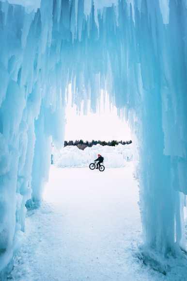 Ice Castle In Alberta, Canada (13)