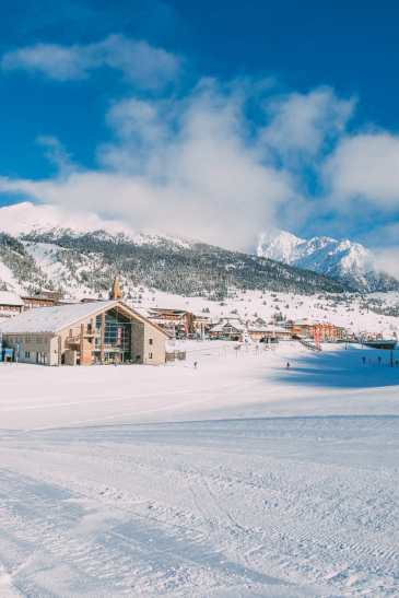 Skiing In Montgenevre, France (4)