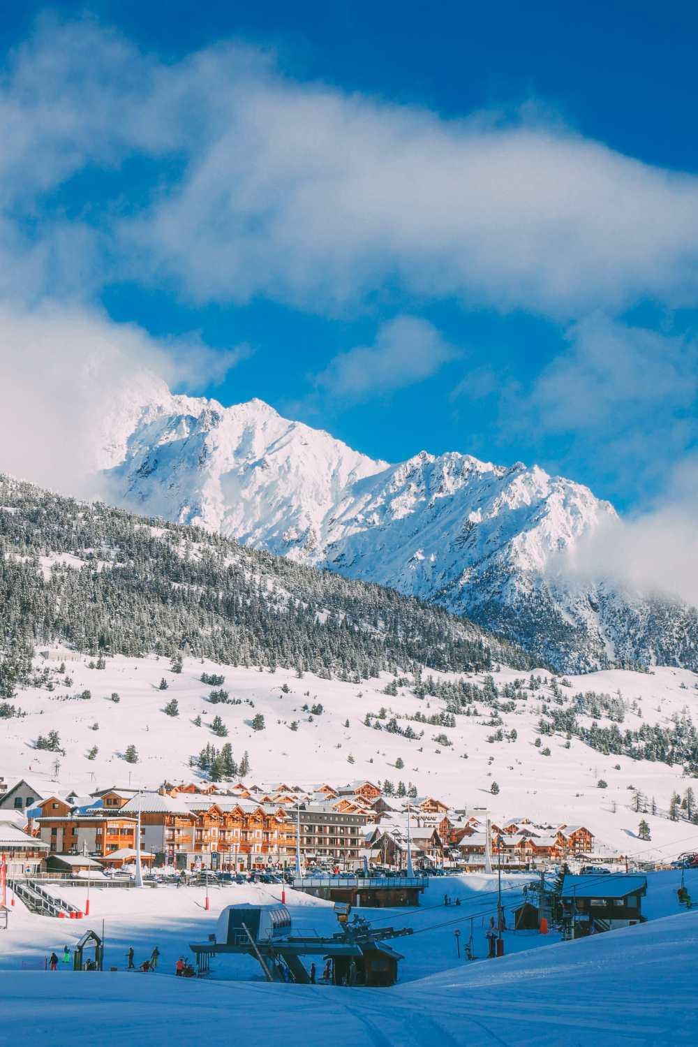 Skiing In Montgenevre, France (6)