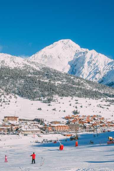 Skiing In Montgenevre, France (9)