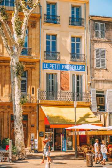 9 Beautiful Wine Regions In France You Need To Holiday In (25)