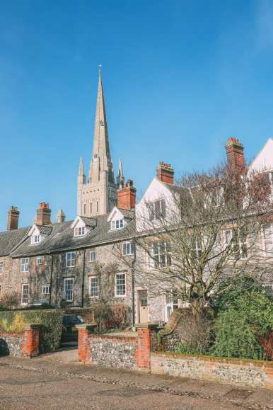 A Day In English Medieval City Of Norwich (4)