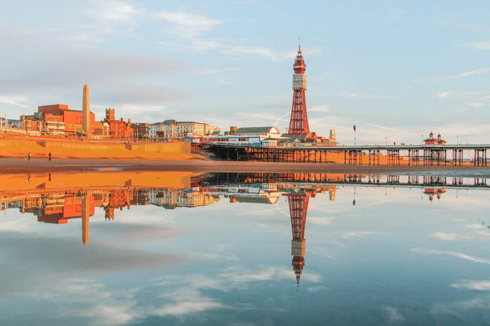 16 Places To Enjoy The Best Seaside Holidays In the UK (6)