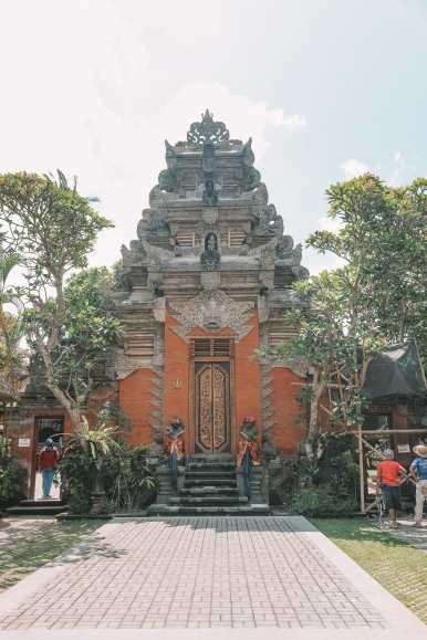 Bali Travel Diary - Ubud Palace, Uluwatu and Tanah Lot (3)