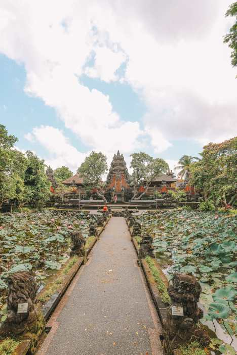 Bali Travel Diary - Ubud Palace, Uluwatu and Tanah Lot (10)