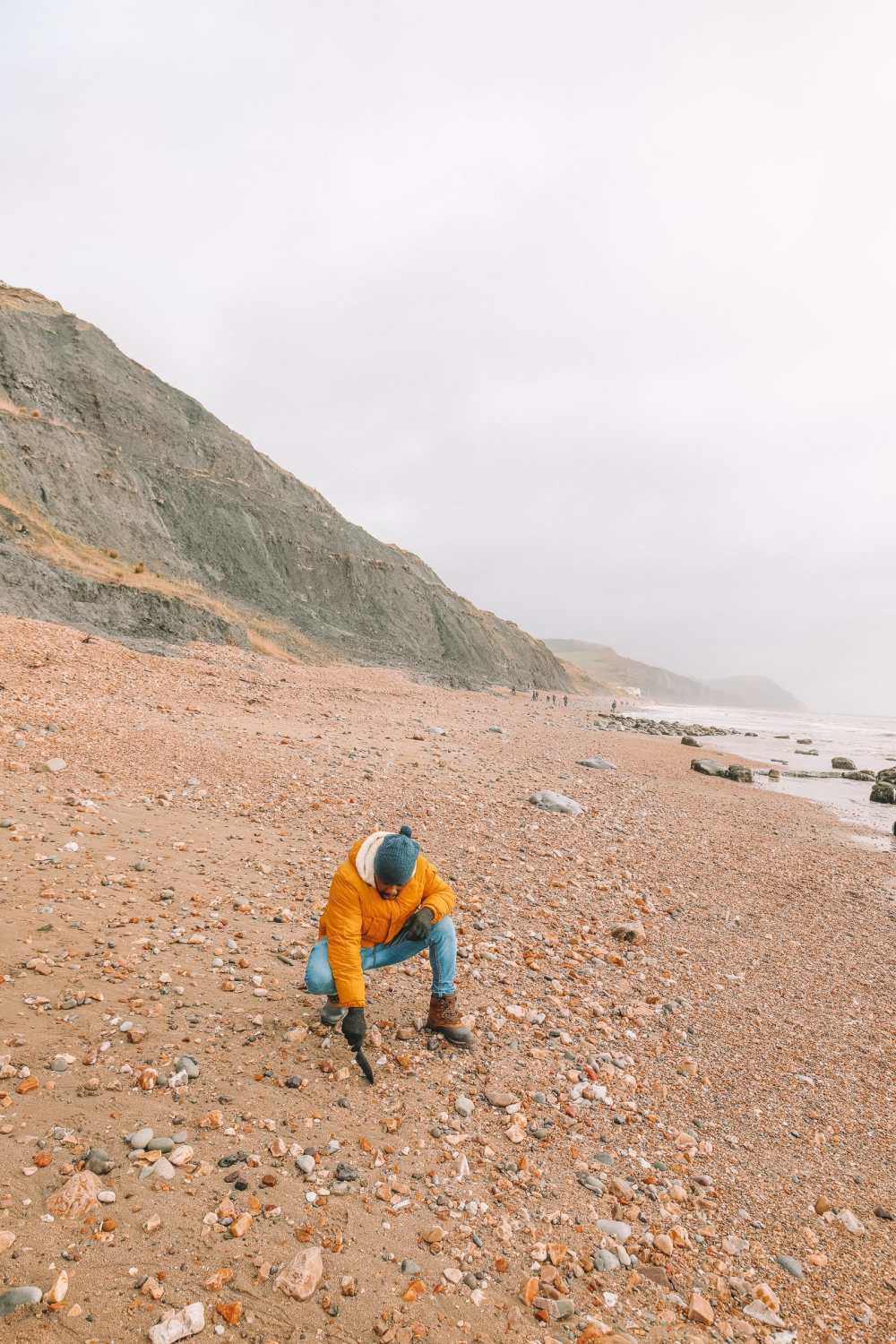 Searching For Dinosaurs And Fossils On The Jurassic Coast Of England (10)