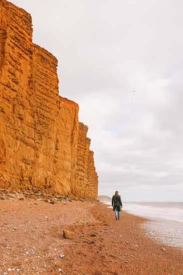 Searching For Dinosaurs And Fossils On The Jurassic Coast Of England (30)