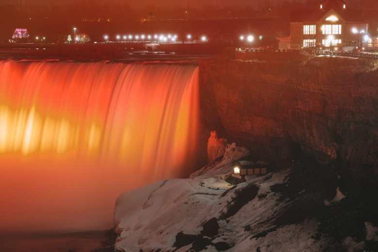 Niagara-On-The-Lake, Vineyards And Niagara Falls At Midnight (70)