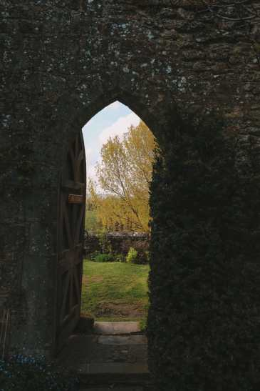 Here's How To Stay In A 1,000 Year Old Castle In England (30)