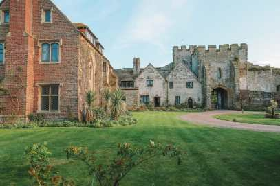 Here's How To Stay In A 1,000 Year Old Castle In England (34)