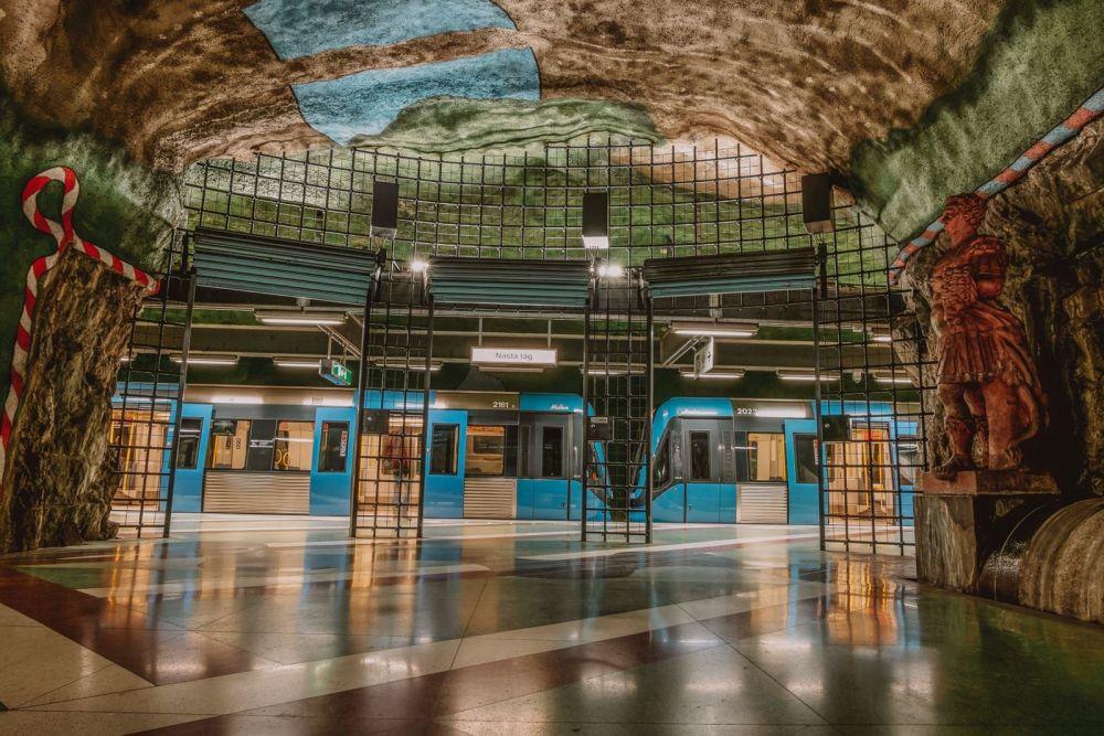 Best Stations Stockholm's Metro Art (14)
