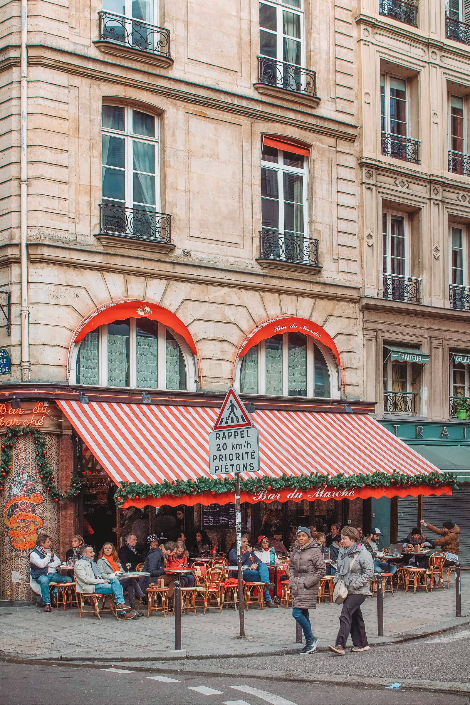 The 12 Best Markets In Paris You Have To Visit (21)