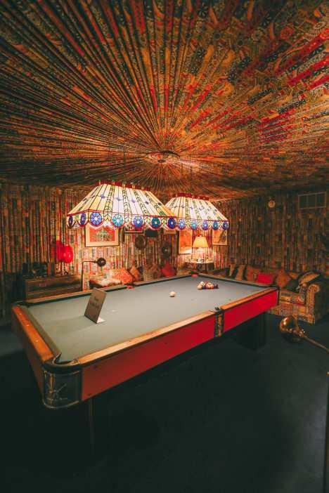 Visiting Graceland - The Home Of Elvis Presley (23)