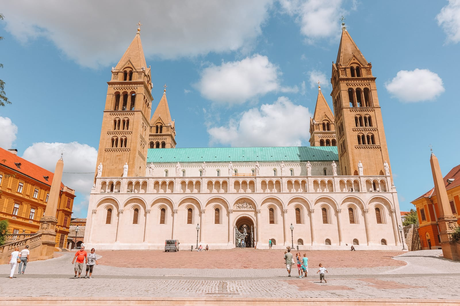Beautiful Towns And Cities In Hungary To Visit (12)