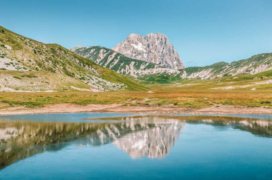 15 Stunning National Parks In Italy To Visit (11)