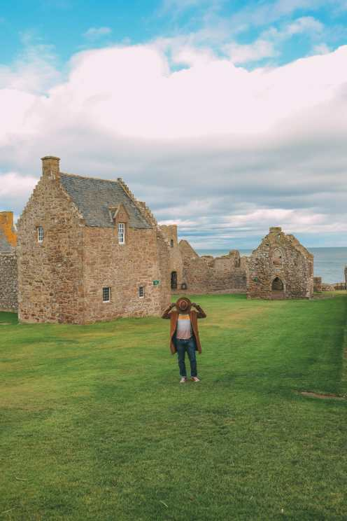 Exploring the old Dunnottar Castle ... in Stonehaven, Scotland (22)