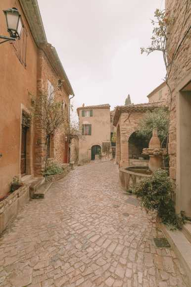 The Pretty Little Villages Of Provence, France (36)
