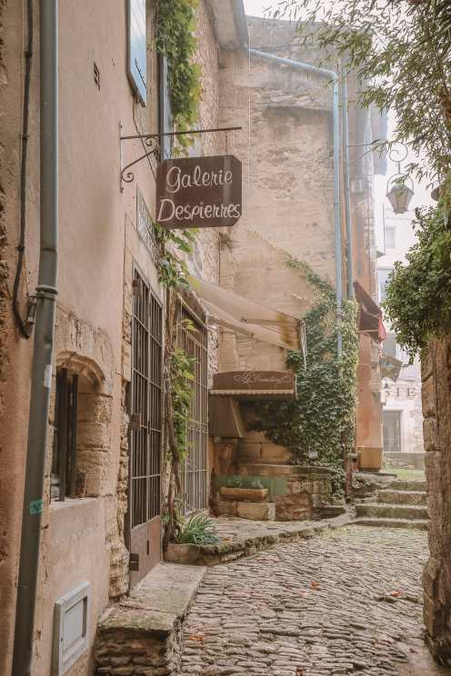 The Absolutely Beautiful Villages Of Gordes and Roussillon In Provence, The South Of France (23)