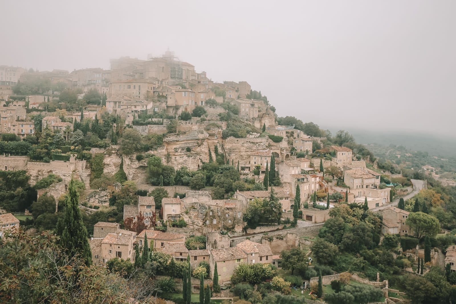 The Absolutely Beautiful Villages Of Gordes and Roussillon In Provence, The South Of France (11)