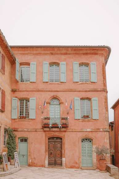 The Absolutely Beautiful Villages Of Gordes and Roussillon In Provence, The South Of France (6)