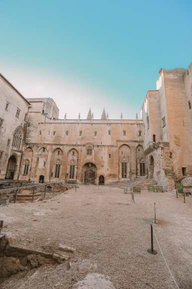 24 Hours Visiting Avignon, Provence (15)