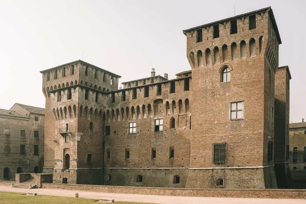 Why You Need To Visit The Ancient City Of Mantua, Italy (12)