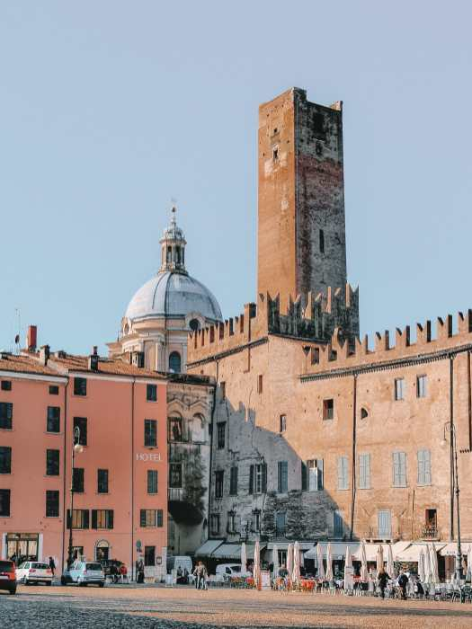 Why You Need To Visit The Ancient City Of Mantua, Italy (15)