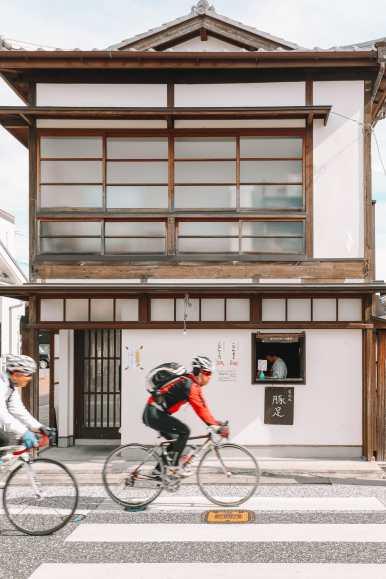 The Aru Ressha Sweet Train, Pretty Little Mamedamachi And A Night In Fukuoka, Japan (34)