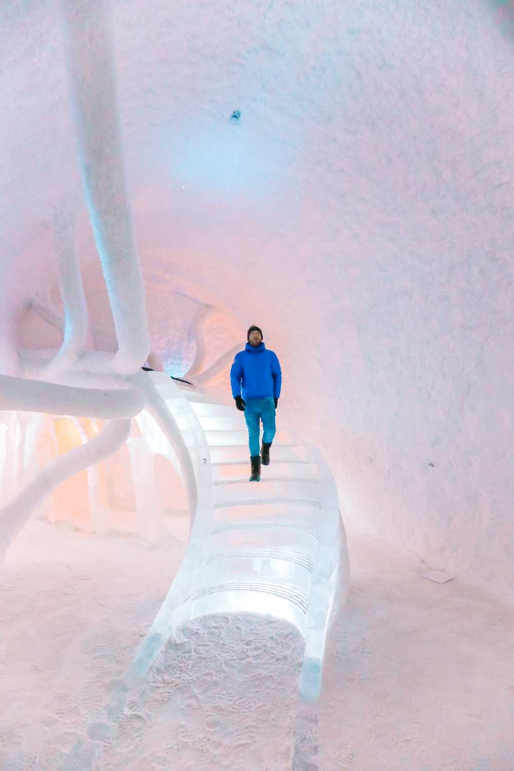 Here's What The ICEHOTEL Looks Like Inside (6)