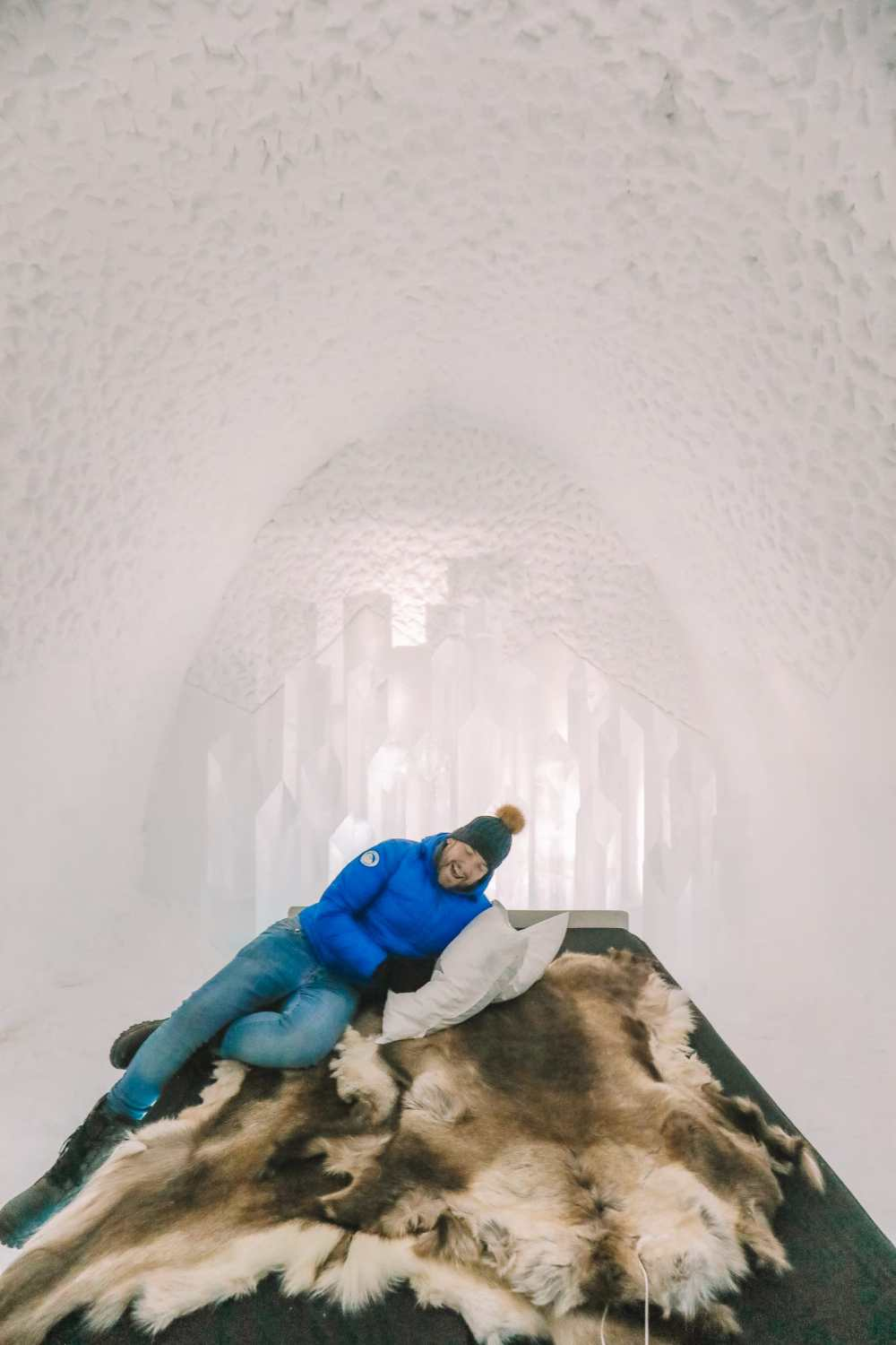 Here's What The ICEHOTEL Looks Like Inside (48)