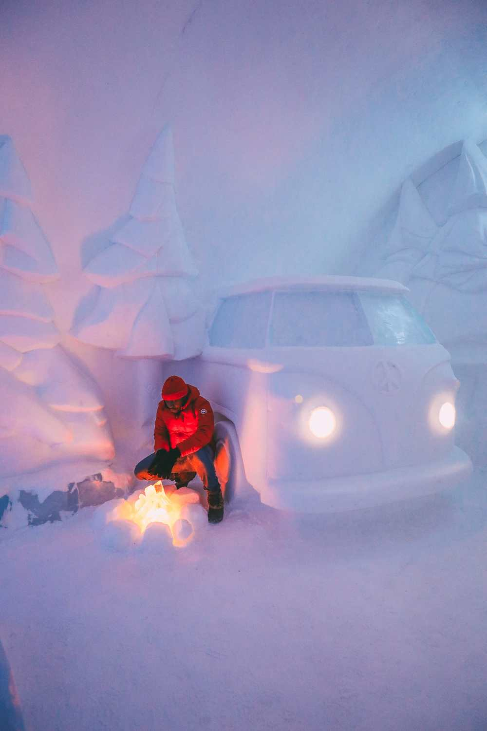 Here's What The ICEHOTEL Looks Like Inside (65)