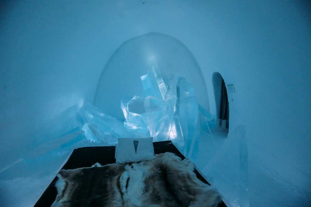 Here's What The ICEHOTEL Looks Like Inside (69)