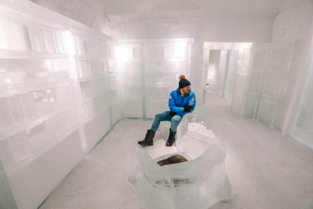 Here's What The ICEHOTEL Looks Like Inside (74)