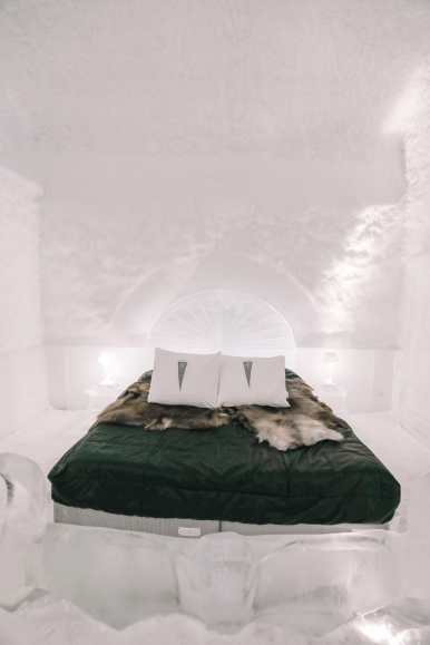 Here's What The ICEHOTEL Looks Like Inside (75)
