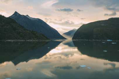 Sailing The Impressive Tracy Arm And Endicott Arm Fjord To The Dawes Glacier, Alaska (11)