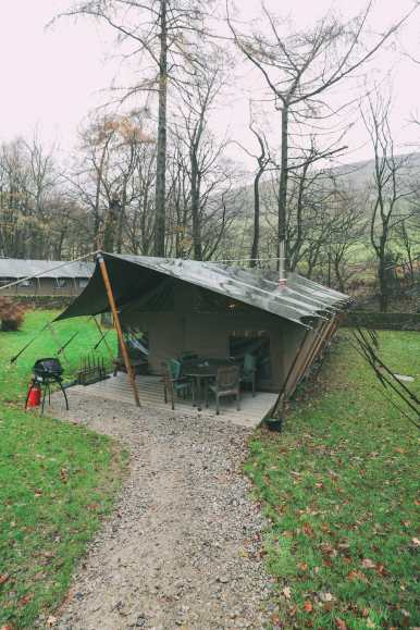 Finding Robin Hood's Bow And Safari Lodging In The Peak District, England (35)