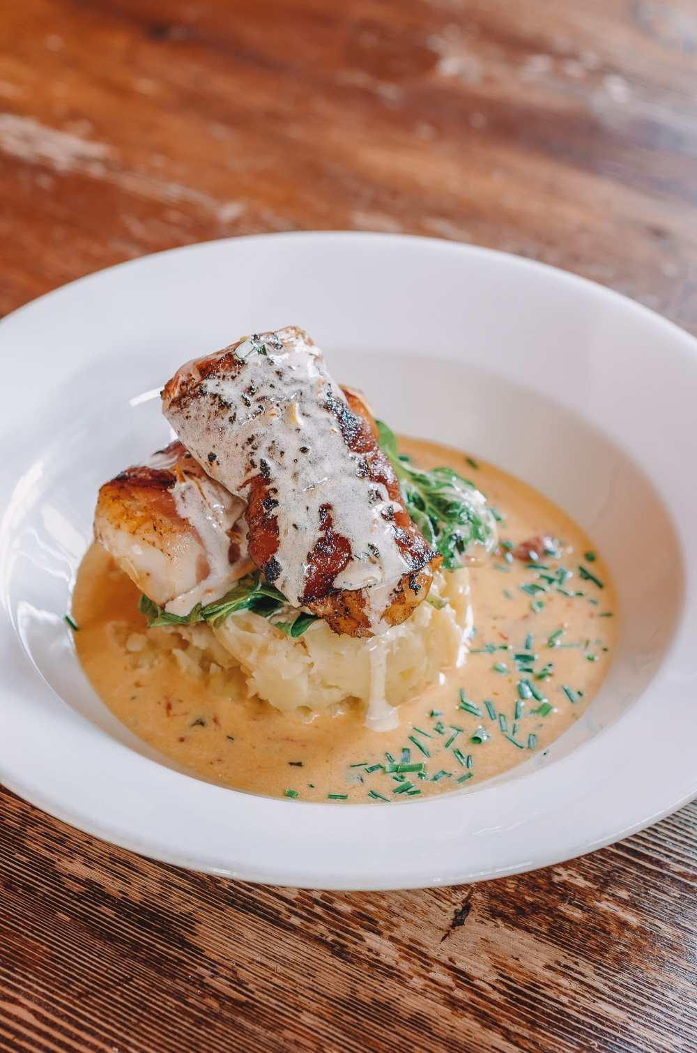 14 Best Restaurants in Iceland To Visit (4)