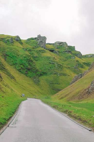 Finding Winnats Pass And An Underground Lake In The Peak District, England (27)
