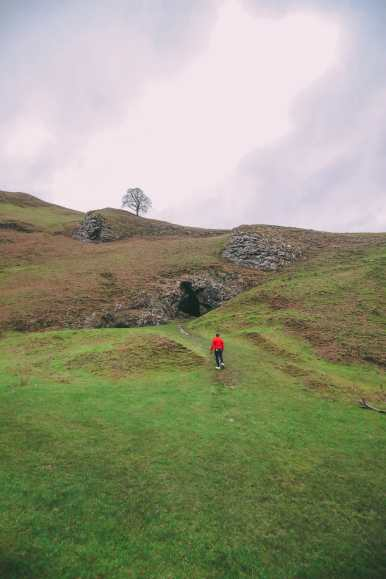 Finding Winnats Pass And An Underground Lake In The Peak District, England (9)