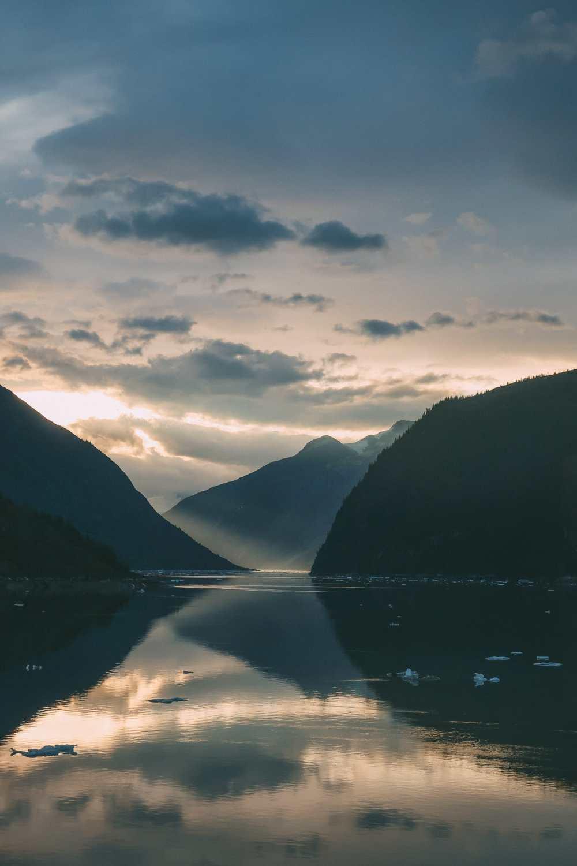 Sailing The Impressive Tracy Arm And Endicott Arm Fjord To The Dawes Glacier, Alaska (9)