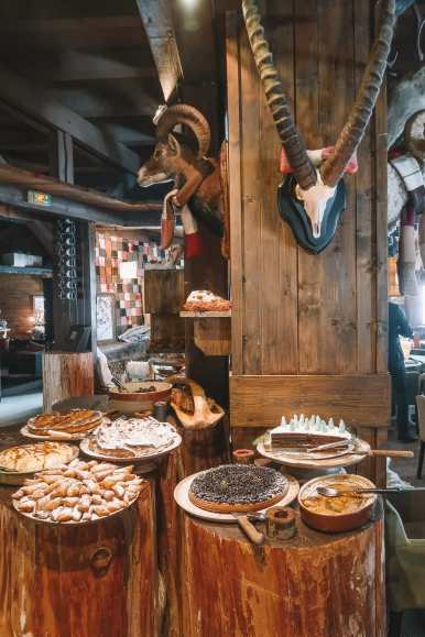 Dining 3032 Metres High In Tignes, France (32)
