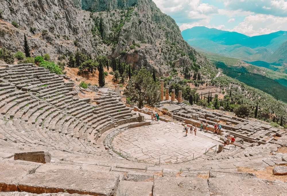 19 Best Places In Greece To Visit (4)