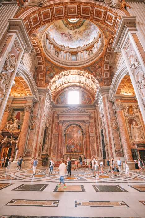 The Magnificent St Peter's Basilica In The Vatican City, Rome (25)