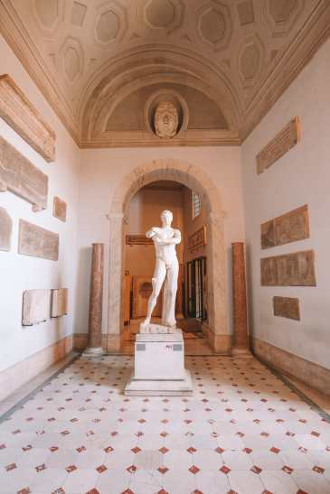Exploring Vatican City And The Sistine Chapel, Rome (6)