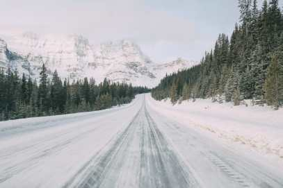Driving Canada's Epic Icefields Parkway And Finding The Frozen Bubbles Of Abraham Lake (4)