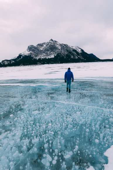 Driving Canada's Epic Icefields Parkway And Finding The Frozen Bubbles Of Abraham Lake (27)